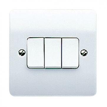 MK Logic K4873WHI 3 Gang 10A 2 Way SP Plate Switch
