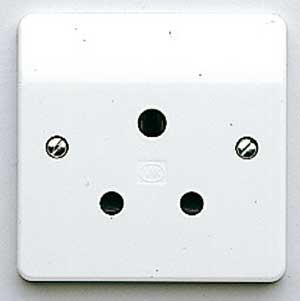 MK Logic K772WHI Socket, 15A 1 Gang Unswitched 3 Pin Round