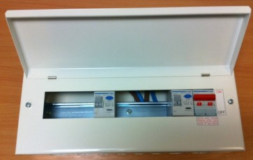 Hager VML955RK Surface Mounted Consumer Unit, 10 Way 5+5 100A Switch 2x 100A 30mA with Round Knockouts, plus 8 MCB free of charge