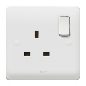 Legrand Synergy 730060 Socket 1G Switched DP 13A 250V White