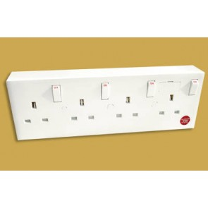 CONV4 1 or 2 Gang To 4 Gang Converter Socket