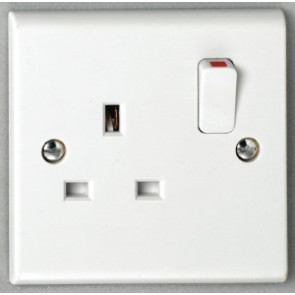 Deta S1207S 13A 1 gang Switched Socket SP