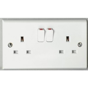 Deta S1209S 13A 2 gang Switched Socket SP