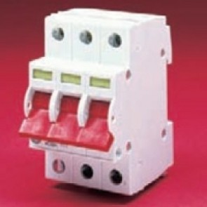 Wylex WS103 100A Triple pole Type B 3 Module Isolator